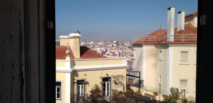 Graça, next to the Castle Building for sale in Lisbon, Portugal