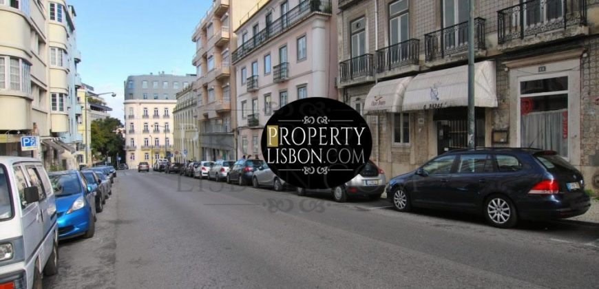 2+1 bedroom duplex penthouse apartment with terrace and Botanical Garden views
