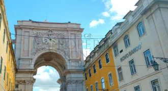 Baixa Chiado Stunning Classical Pombalino apartments| Airbnb proven 7% Yield