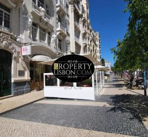 Exclusive renovated 4-bedroom apartment in superb location