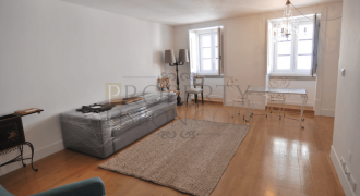 Lisbon Building with 8 luxurious apartments for Sale,Santa Catarina (Chiado)