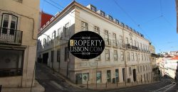 Luxury 4-bedroom apartment in historical building with swimming pool