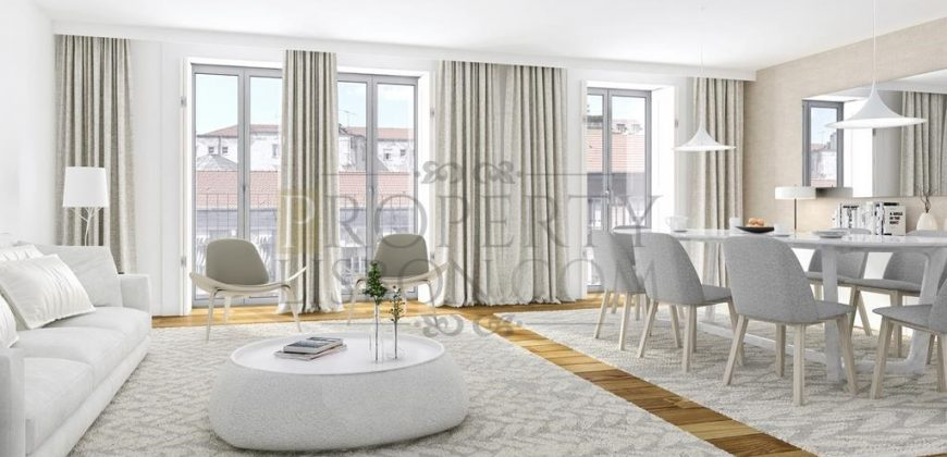 Lisbon Luxury Character renovation close to beautiful gardens in Business district with parking (from 655,000)