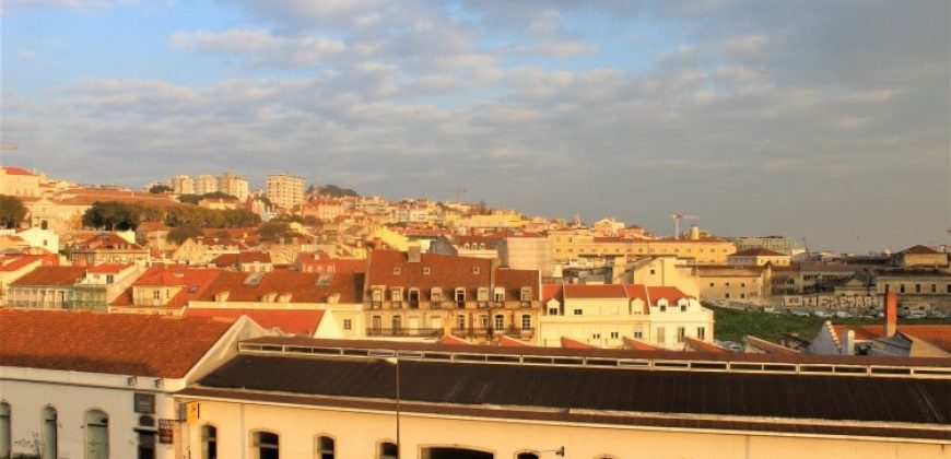 Apartment with 2 bed for sale in Lisbon, Portugal