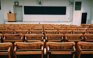 Vivendo em Portugal - Educação Info sobre regulamentos educacionais em Portugal