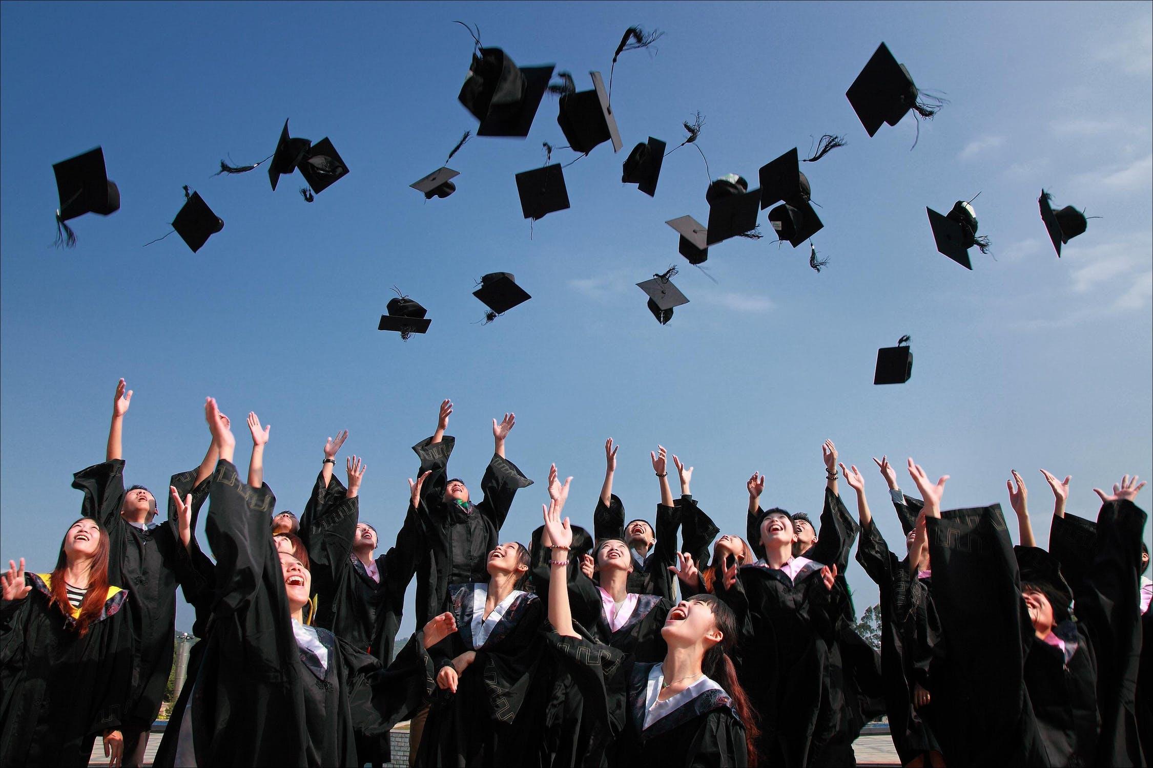 Vivendo em Portugal - Educação Info sobre regulamentos educacionais -em Portugal