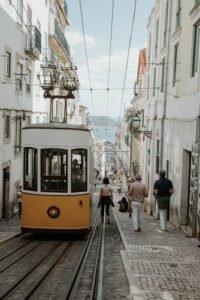 Transportes em Portugal - Autocarros e Comboios