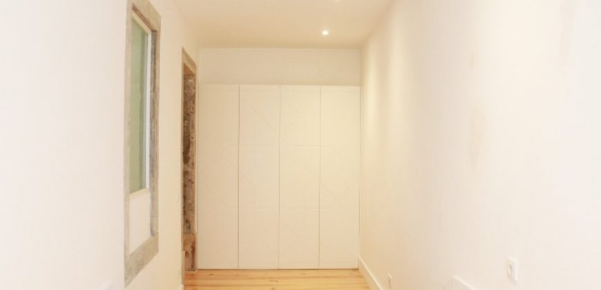 New 2 bed in up and coming area Anjos downtown Lisbon