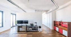 2 Bed modern apartment in Lisbon with two balconies, two parking spaces and storage.