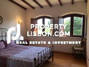 8 Bed Villa for sale in Alentejo, Portugal- -