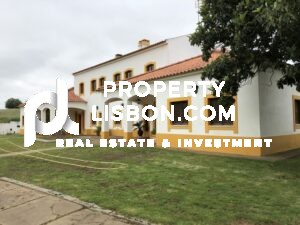 -8 Bed Villa for sale in Alentejo, Portugal