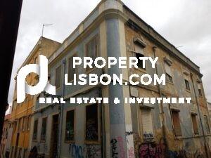 Buildings for renovation in Lisbon