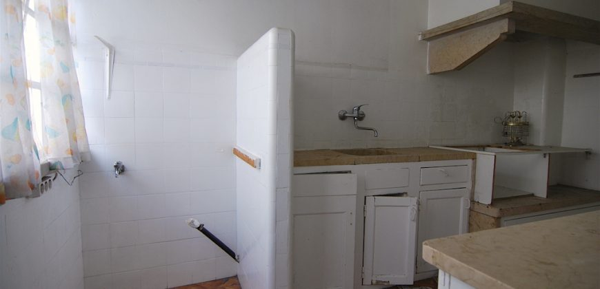 Turn-key T2+2 Lisbon apartment project fully renovated compliant with the 350K Golden Visa program
