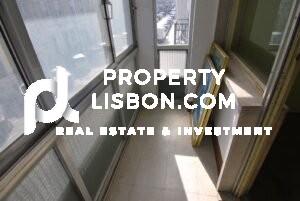 350,000 renovation visa lisbon