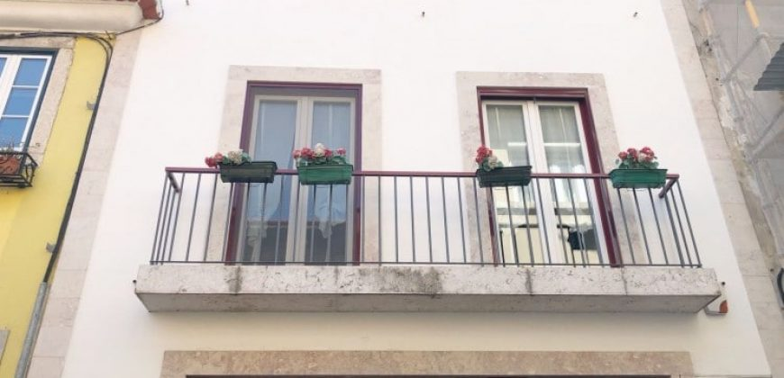 4 Bed TownHouse for sale in Lisbon, Portugal