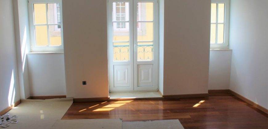 1+1 Bed Apartment for sale in Lisbon, Portugal