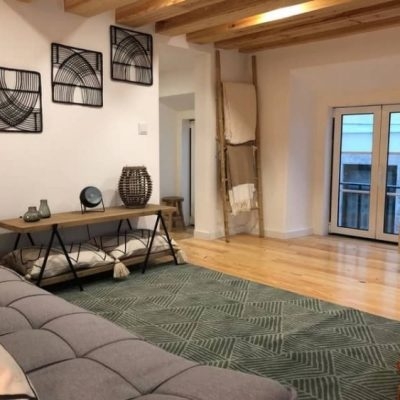 A studio apartment fully renovated for an amazing price and high yields