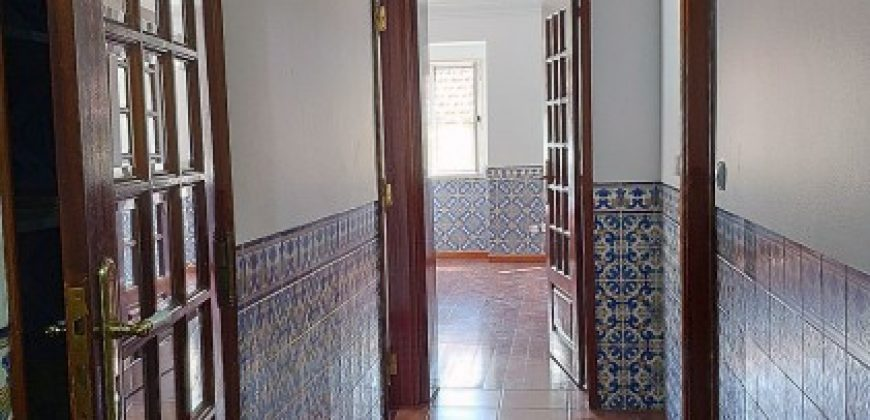 6 Bed Apartment for sale in Lisbon, Portugal