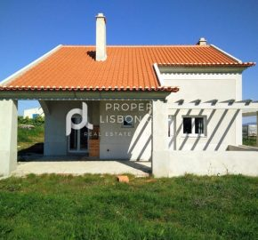 3 Bed TownHouse for sale in Lourinhã, Portugal