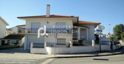 3 Bed TownHouse for sale in Bombarral, Portugal
