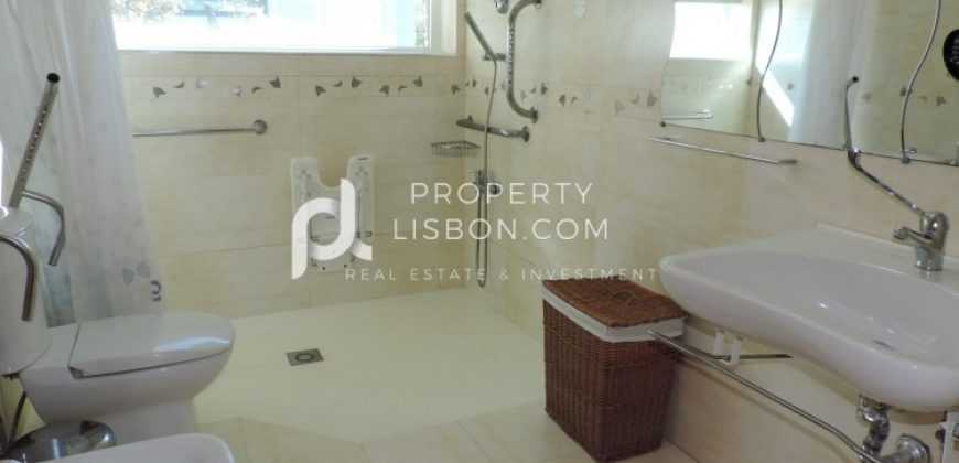 5 Bed TownHouse for sale in Caldas da Rainha, Portugal