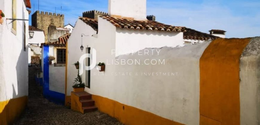 6 Bed TownHouse for sale in Óbidos, Portugal