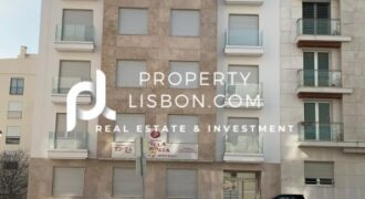 Vila Correia 7   Vila Correia 7 stands out for its modernity and use of noble and high quality materials, thought to the detail. There are 5 apartment, one per floor, being the last duplex with a superb view to t