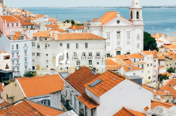 Rooftop image of Portuguese. town