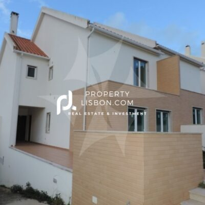 3 Bed TownHouse in Peniche Silver Coast – 430000€