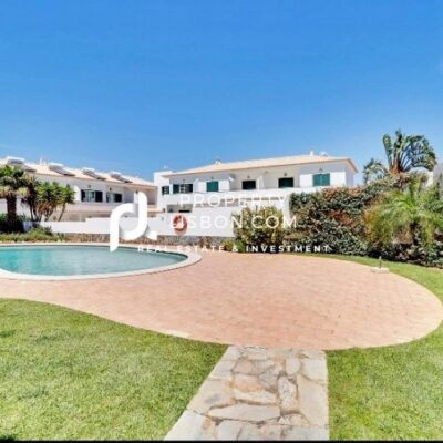 1 Bed TownHouse in Praia da Luz Algarve – 195000€