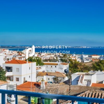 2 Bed Apartment in Lagos Algarve – 280000€