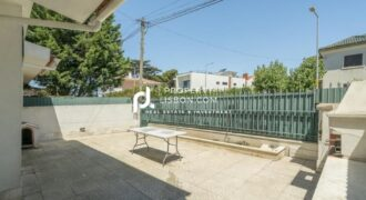 4 Bed TownHouse in Lisbon  – 695000€