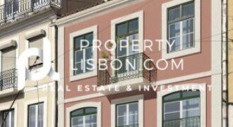 2 Bed Apartment in Lisbon eligible for the 350k Golden Visa   – 385000€