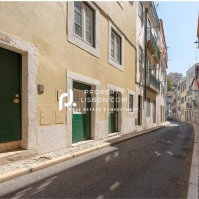 4 floor building has just been renovated to a very high standard  – 750000€
